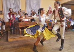 czech folklore dancing
