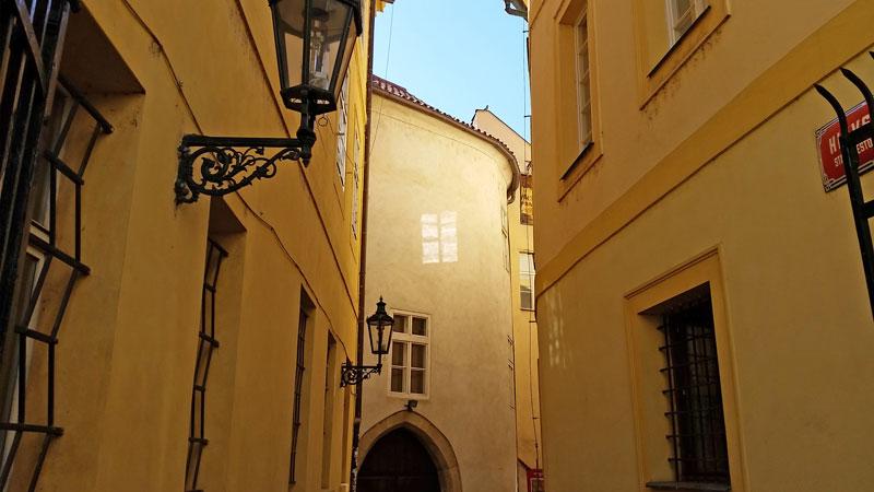 prague old town alleyway