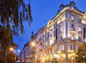 prague ujezd hotels, hotel riverside building view at night