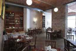 Prague italian restaurant la finestra interior