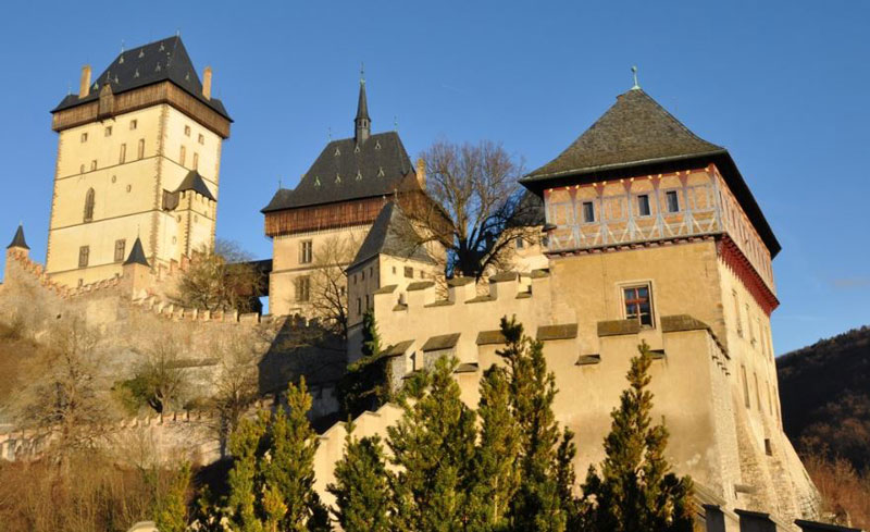 karlstejn castle with great tower on the left and battlements in front