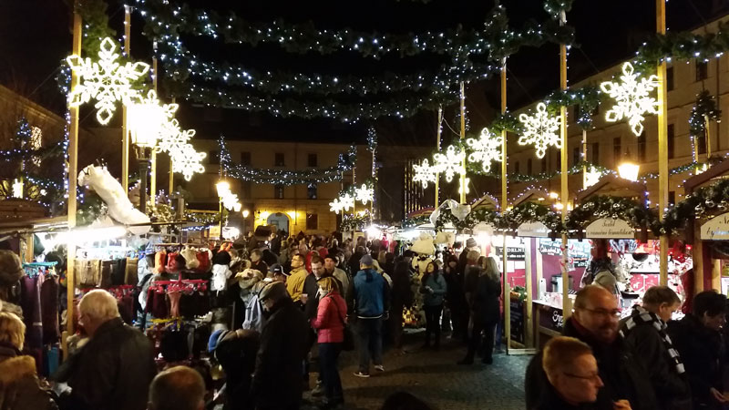 republic square old christmas market