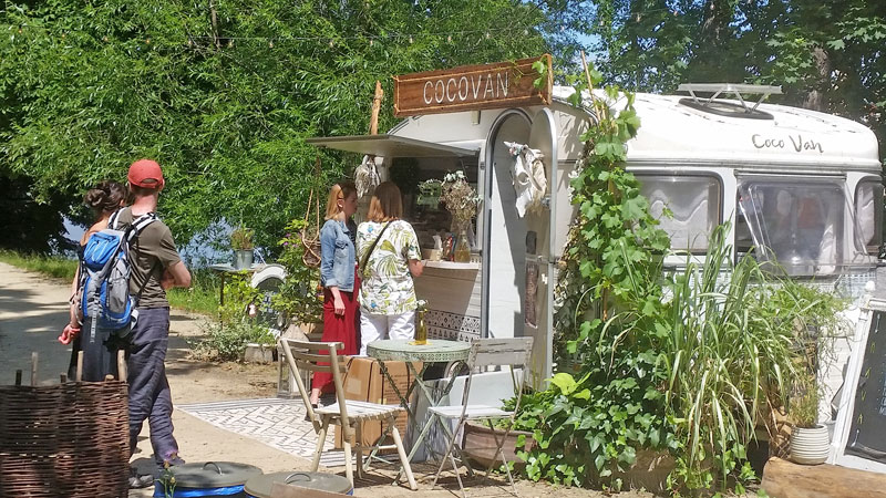 caravan converted to a cafe