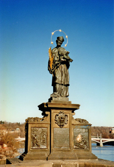 jan nepomuk statue in 1996 showing the right hand side brass plaque as shiny