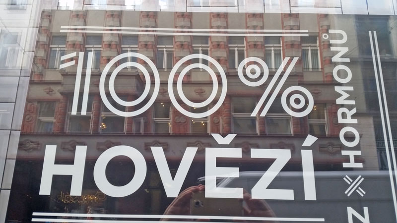 sign in czech saying 100% hovezi which means 100% beef