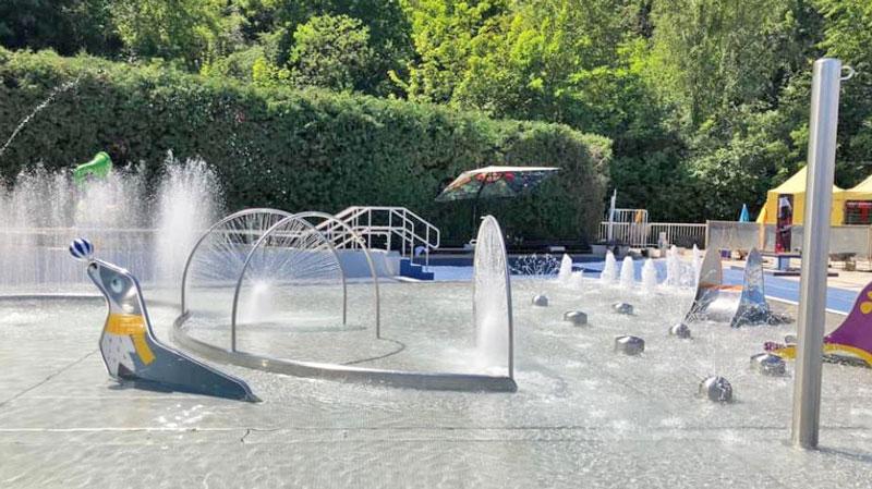 kids external summer pool at the prague podoli swimming pool