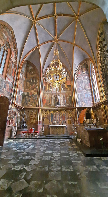 prague st vitus cathedral st wenceslas chapel with ribbed vaulted gothic ceiling