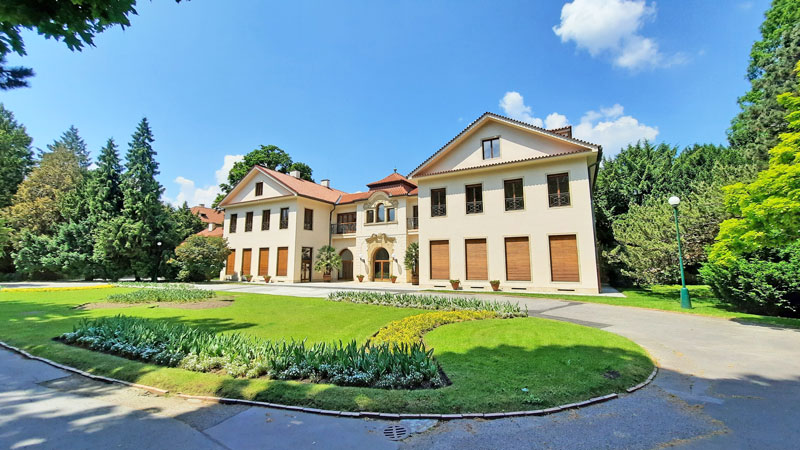 prague castle imperial gardens presidential building