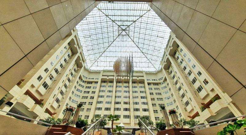 the atrium of the prague hilton hotel