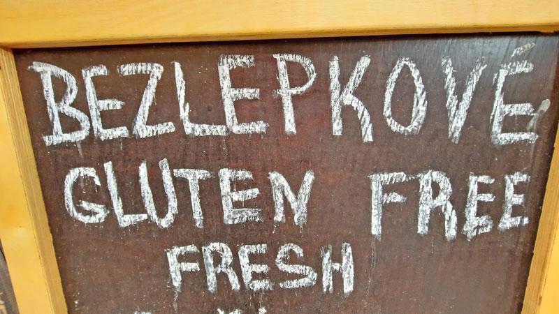 prague gluten free sign written in czech and english